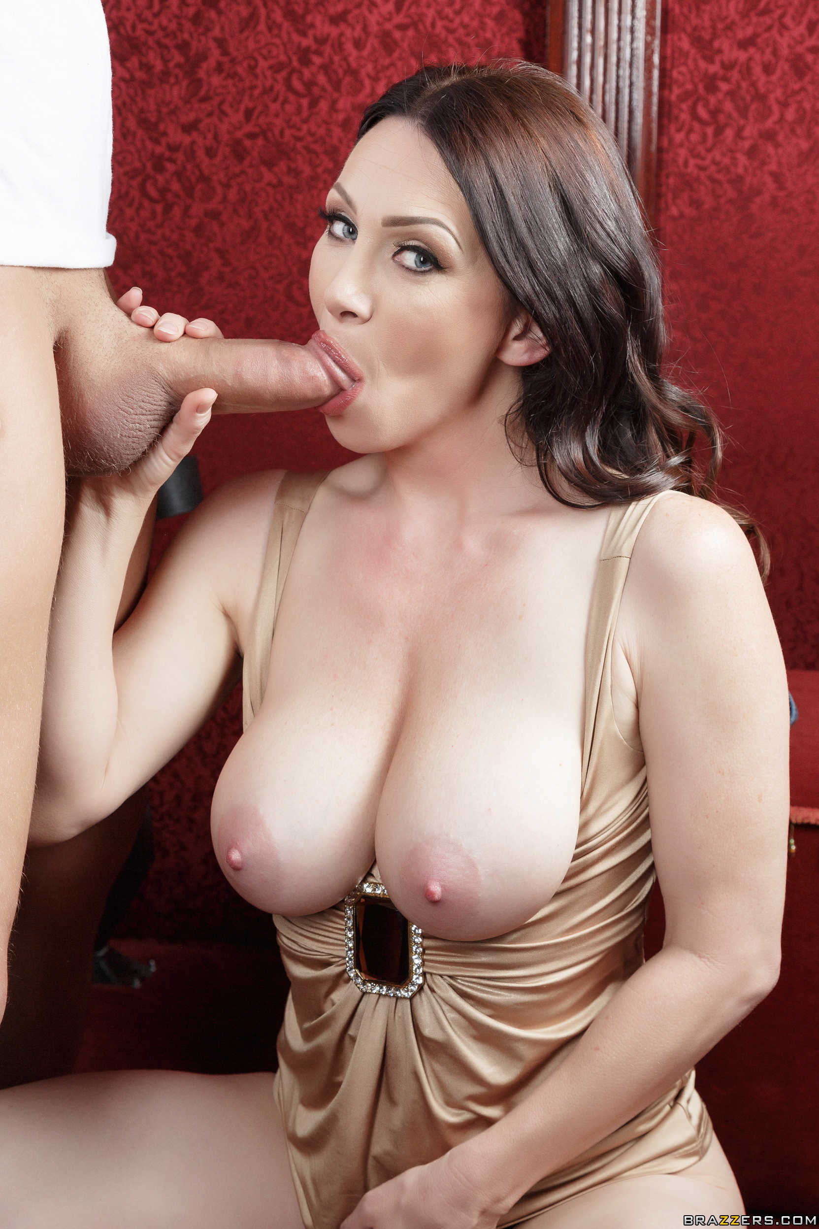 rayveness mom