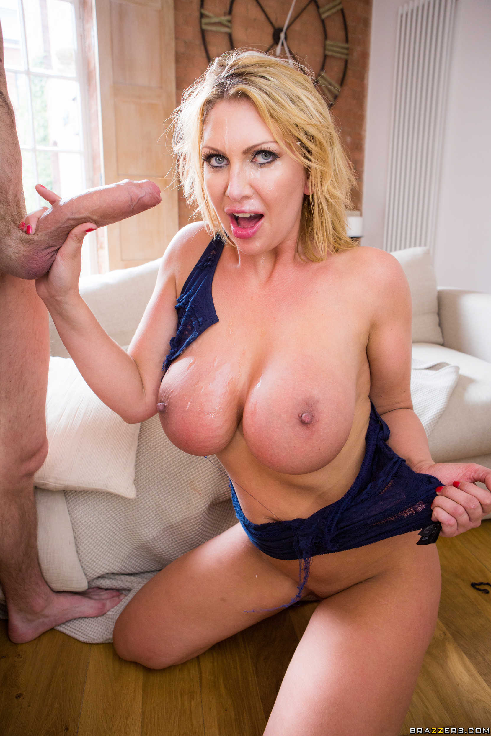 Lucia love has her ass fucked on a first date 2