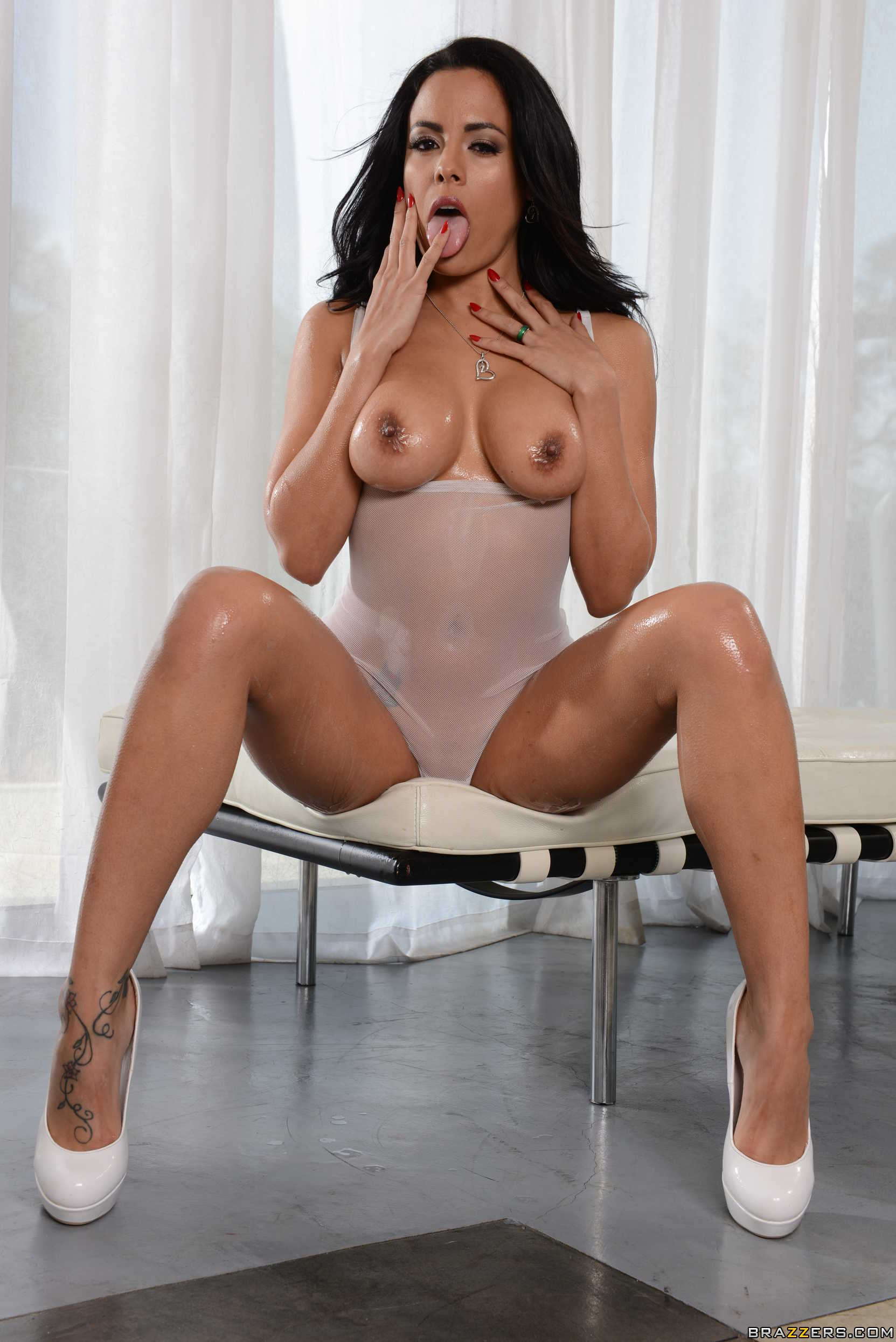 Adrianna luna housewife 1 on 1 4