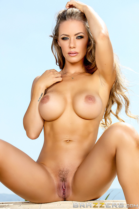 Nicole aniston back in big cock action
