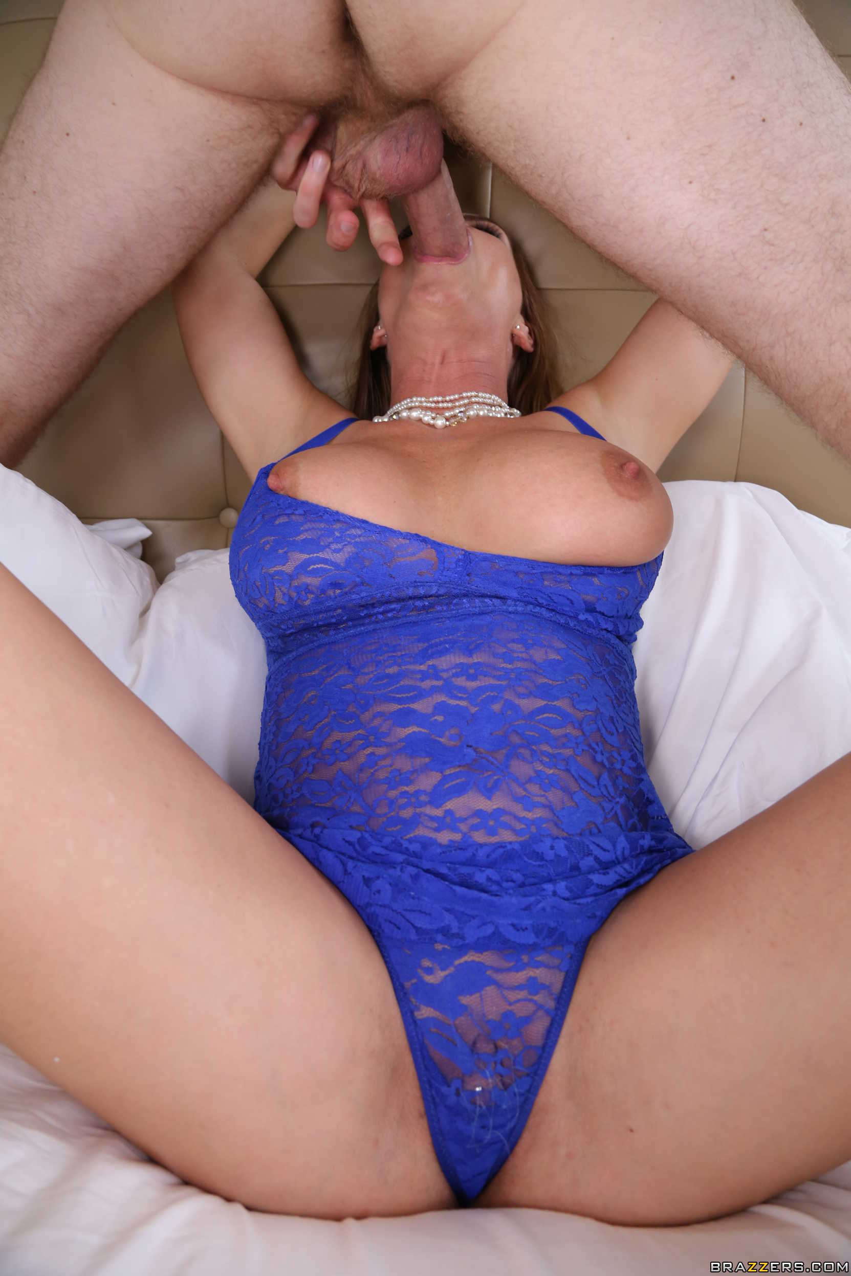 Mom wants to squirt for extra credit - 3 3