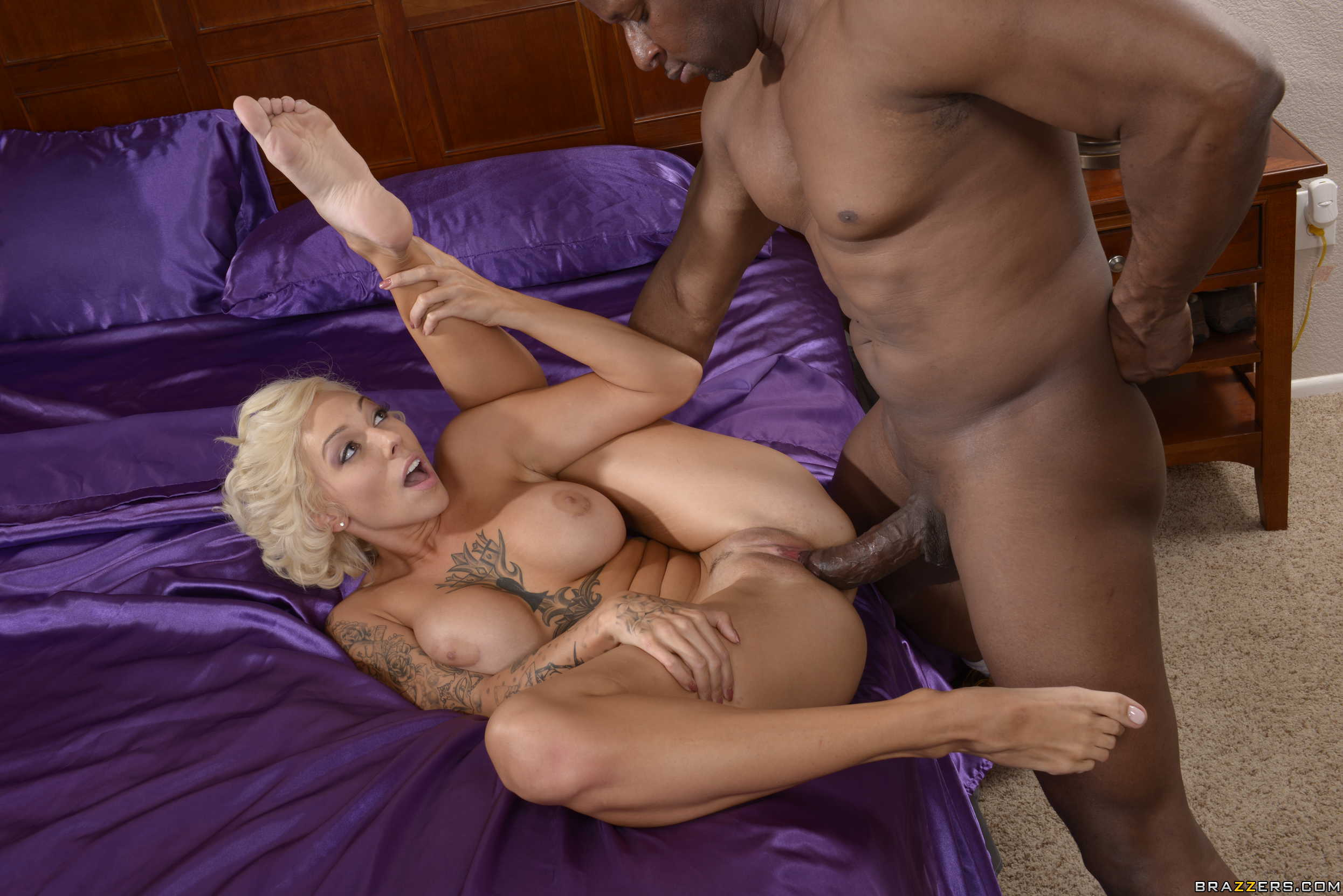 Harlow harrison loves having wild anal sex with her hunk 6